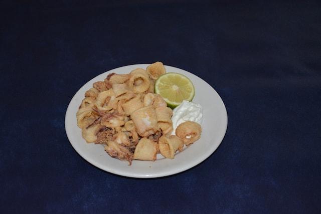 Restaurante Los Caballos Álora Málaga cocina tradicional calamares fritos