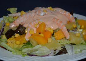 Restaurante-los-Caballos-Alora-Malaga-ensalada tropical-min