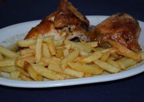 Restaurante-los-Caballos-Alora-Malaga-medio_pollo_asado-min