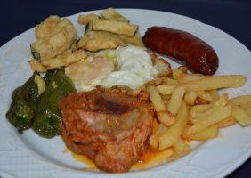 Restaurante-los-Caballos-Alora-Malaga-plato de los montes (1)-min