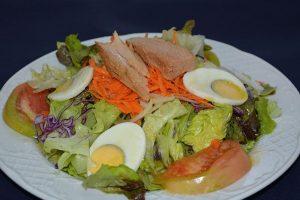Restaurante los caballos Álora Málaga restaurante para celiacos ensalada de la huerta